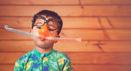 儿童患脑瘫用系统标准治疗 还孩子烂漫童年