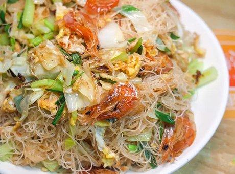 成都市中心的瓦房里 人均60吃了一大桌海鲜