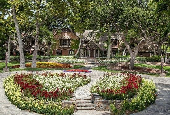 已故天王杰克逊梦幻庄园将被出售 标价1亿美元