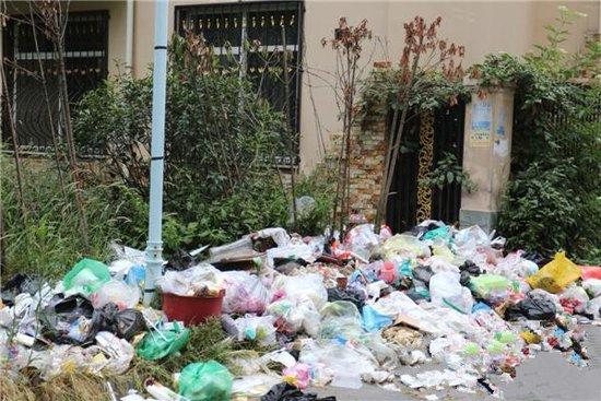 惠安鸿升业主小区变成垃圾堆别墅苦不堪言苑小区坑联排别墅洋常德东图片