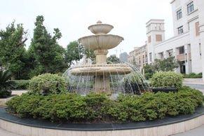 绿都万和城售楼处前门喷泉