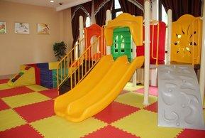 绿地香颂花园售楼处室内儿童乐园