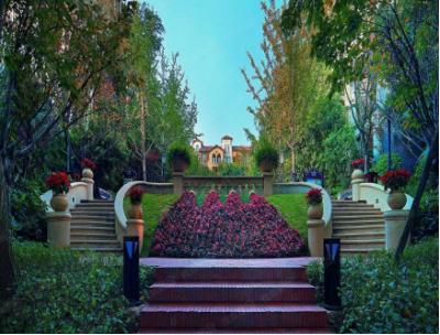 龙湖龙誉城:不入紫宸园林,怎知春色之美