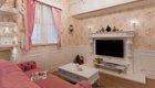 粉色浪漫的复式婚房