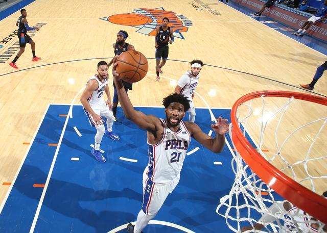 NBA常规赛,76人客场109-89胜尼克斯  