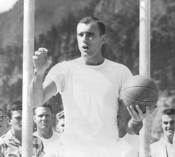 NBA五十大巨星之鲍勃-佩蒂特——首任鹰王的传奇一生