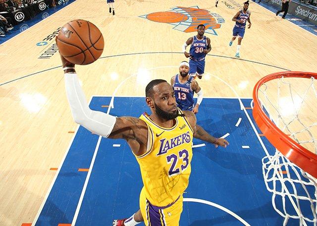 從兩節19分到兩節2分,詹姆斯怎麼了?超越Kobe在即,他並不著急!(影)