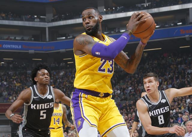 詹姆斯25分7篮板 湖人轻取国王迎来两连胜