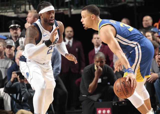 库里:KD把关键球让给了我 他知道我手感火热 NBA新闻