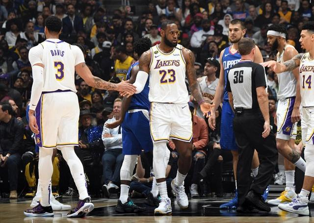 展現王者統治力!詹姆斯轟28+7+9完成復仇,決勝時刻接管比賽!(影)-籃球圈