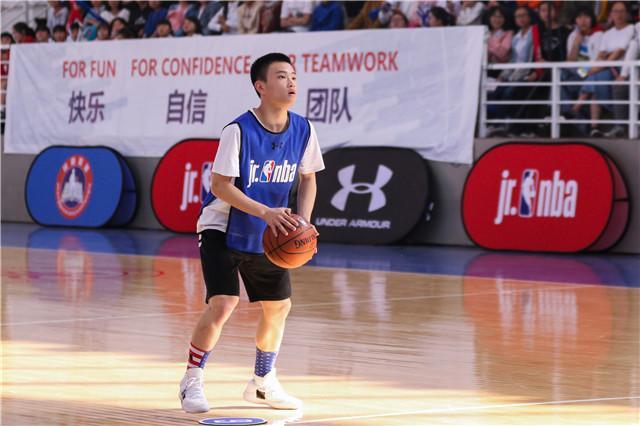 杨宇轩同学发挥稳健夺得技巧挑战赛四川省个人冠军