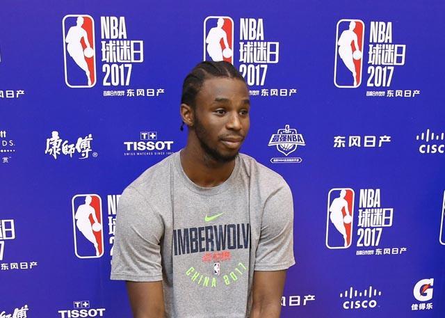 维金斯:休赛期提高了投篮和运球