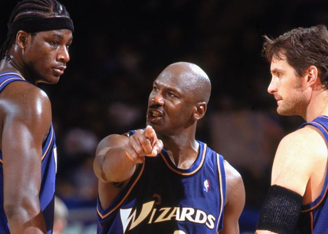 篮球之神到商界传奇——迈克尔乔丹的完美变身