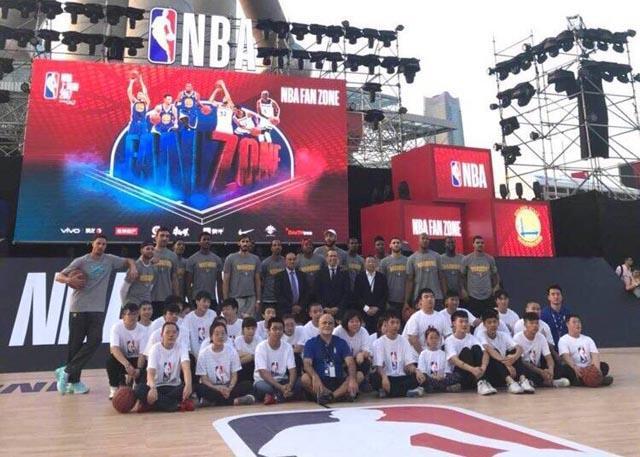 金州勇士队在上海举行NBA关怀行动