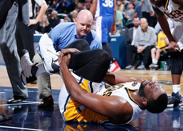 虚惊一场!艾尔-杰弗森左脚踝扭伤将伤缺数日