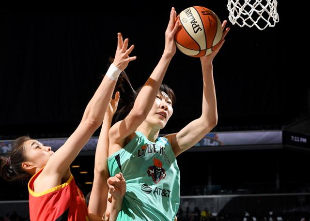 韩旭首秀19分 WNBA季前赛自由人胜中国女篮