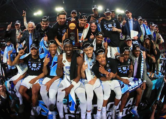 NCAA总决赛万众瞩目 NBA球星恭喜北卡夺冠!