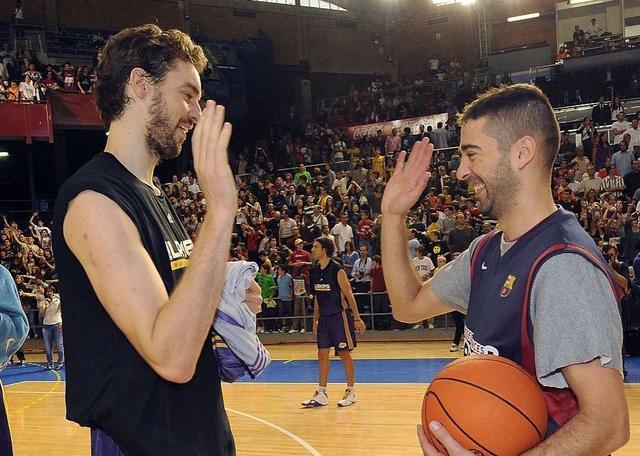 纳瓦罗退役 大加:你对篮球的贡献无以言表