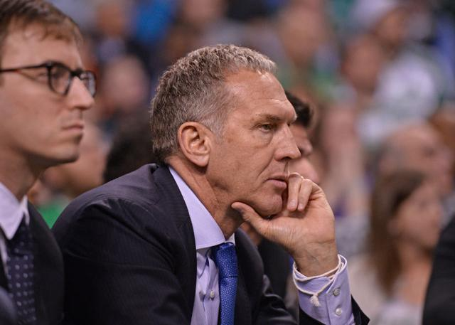 曝76人或将选择解雇球队总经理科朗格洛