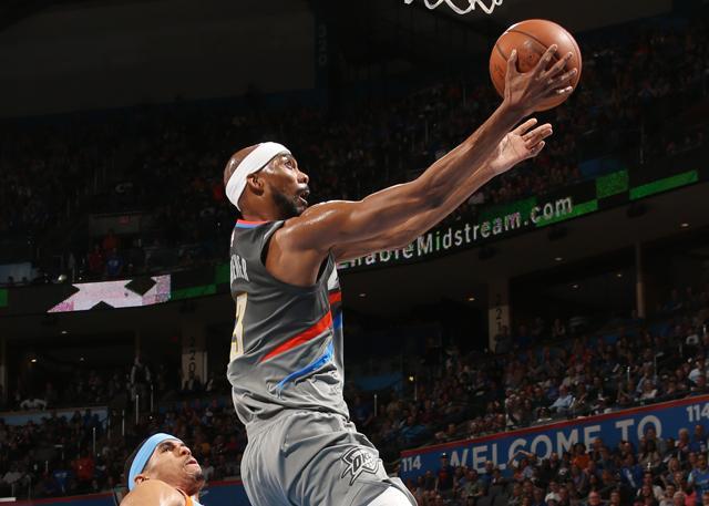 连长:快攻中接威少传球上篮 这么打很容易