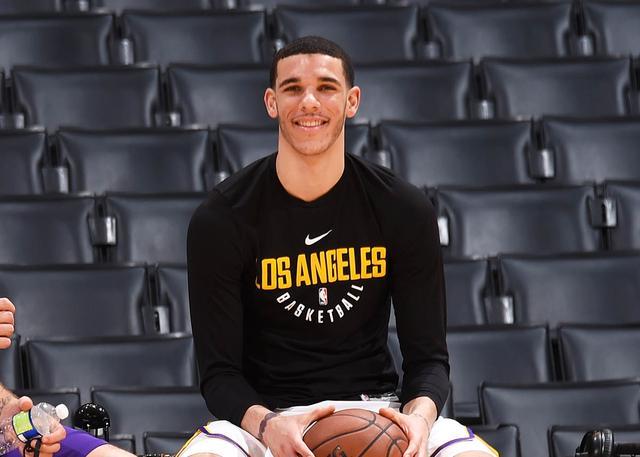 鲍尔接受PRP注射疗愈膝伤 现已恢复篮球活动