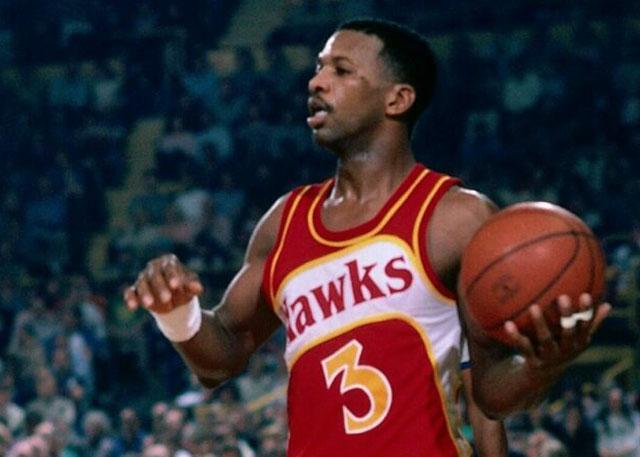 前老鹰队球员埃迪-约翰逊于不久前10月27日去世,享年65岁 