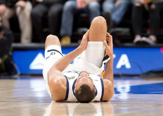 戈贝尔谈膝伤:维特斯太脏冲着我膝盖来的