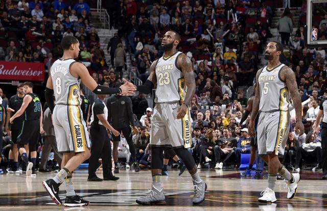 詹姆斯:投篮不好可以做其他事来影响比赛