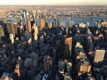 大过年的,他们飞了十几个小时去纽约给林书豪过节