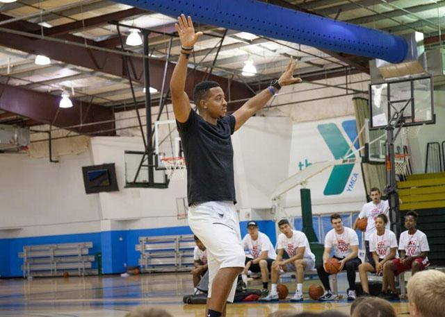 迈克勒姆的多彩休赛期:篮球之外全方位发展