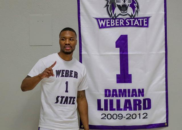 韦伯州立大学现已正式退役利拉德的1号球衣