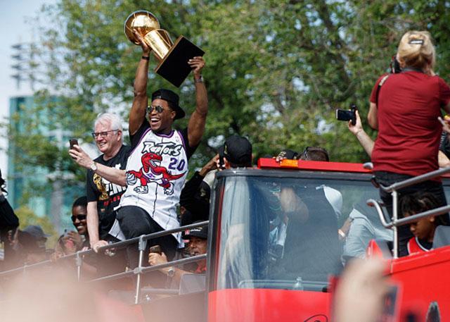 洛瑞:我要让费城街区的孩子看到总冠军奖杯