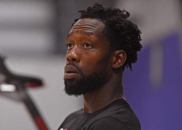紧急个人原因 快船贝弗利暂时离开NBA园区