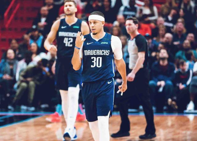 卡莱尔盛赞库里:关键时刻投篮能力是现象级