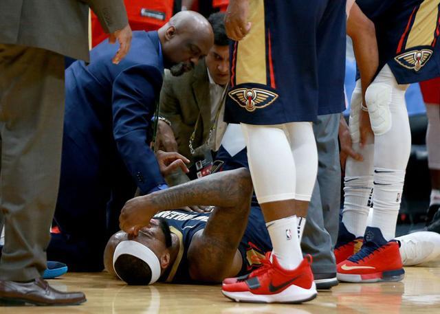 Woj:考辛斯遭遇左脚跟腱撕裂 赛季报销