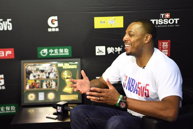 NBA 5v5上海站总决赛激战正酣 NBA球星保罗皮尔斯现身引爆申城