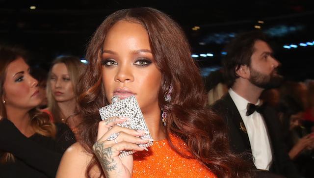 恩比德专访:先不追蕾哈娜 职业生涯更重要