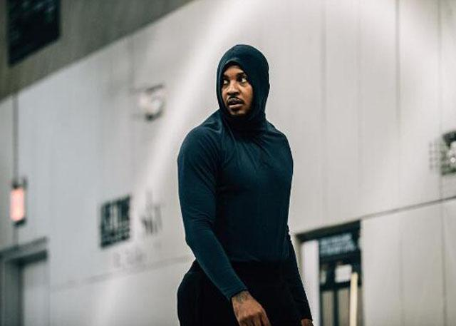JR解释安东尼戴帽训练:那样的他更轻松