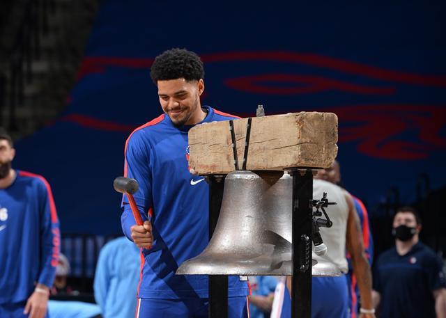 NBA官方宣布,托拜厄斯-哈里斯中选周最佳球员 