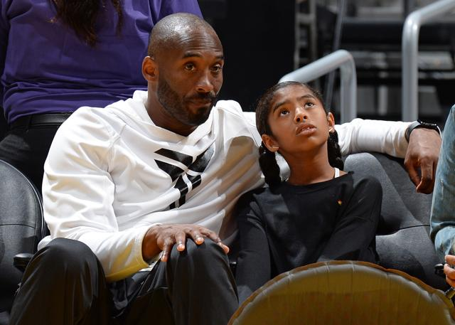 科比:二女儿爱看WNBA 她经常会与我讨论