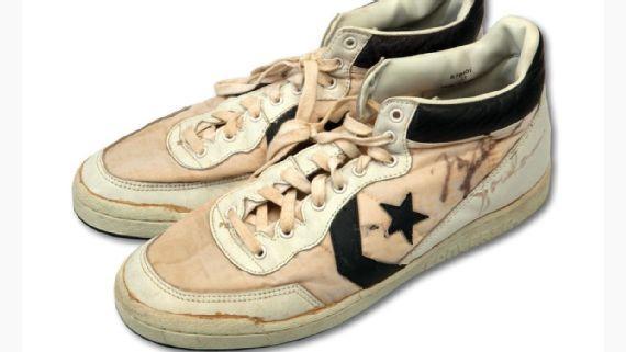迈克尔-乔丹奥运决赛战靴拍出19万刀天价