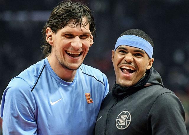 博班:一起被交易过 让我跟哈里斯成为至交_NBA中国官方网站