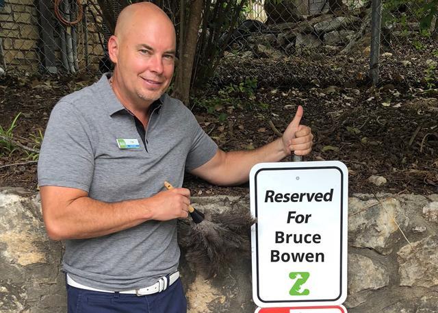 鲍文再就业 圣安东尼奥动物园抛出橄榄枝