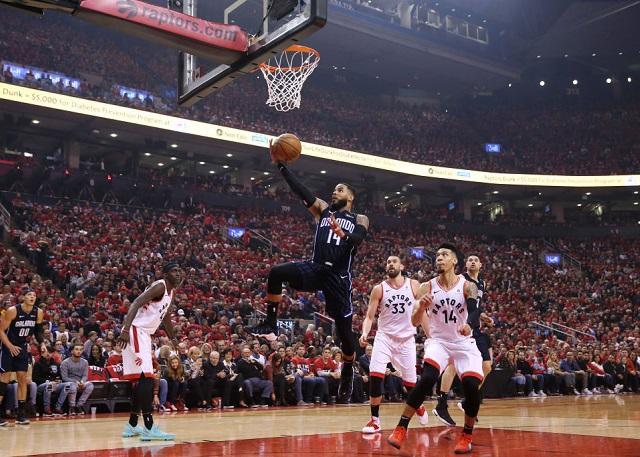 奥古斯丁25分4.2秒三分准绝杀 魔术胜猛龙 NBA新闻