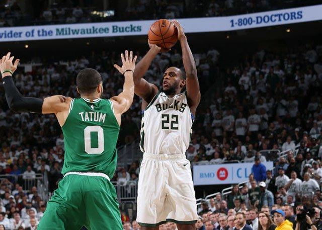 火力全開!Middleton三分10中7率隊大勝,他被綠軍視為噩夢般的存在!(影)-籃球圈