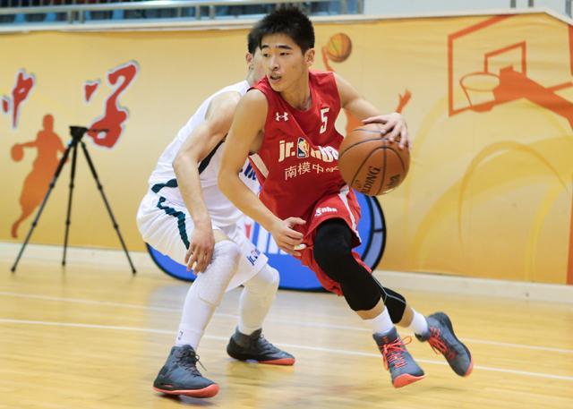 南模中学VS上海美国学校 榜首之争明日上演!