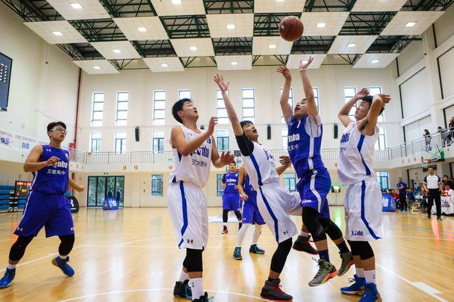 【球队故事】五爱高中:有兄弟有篮球 我们就无所畏惧!