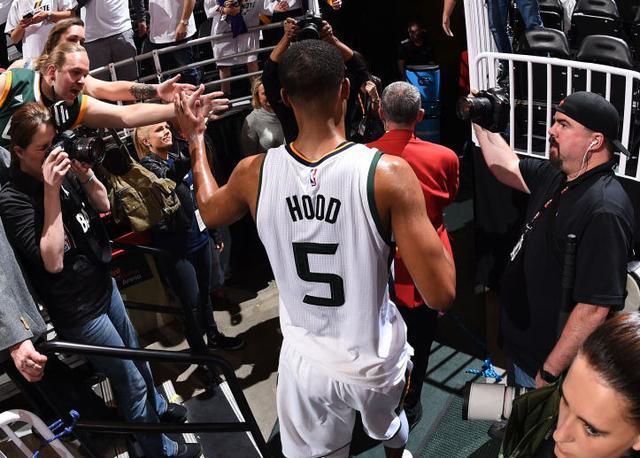 美记:罗德尼-胡德今夏留在盐湖城刻苦训练