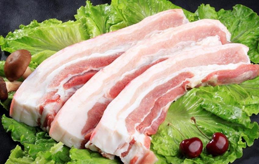 猪肉价格持续上涨 养殖户:有多少猪贩子都收