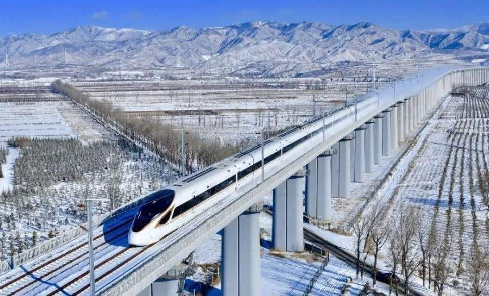 京张高铁开通15天 近80万人享受出行便利